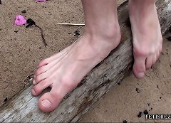 Welcome to Straight Boy Feet .com Free Photos and Videos